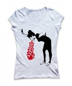 تی شرت زنانه جدید طرح banksy love sick