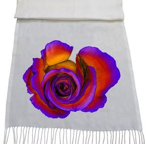 شال گل و بوته طرح rose overhead