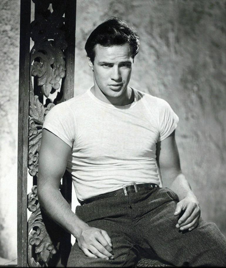 marlon-brando-style-icon-50s-tshirt