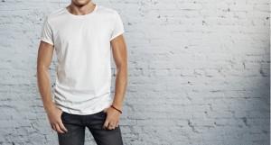 ۱۰ ترفند ساده برای شستن تیشرتهای سفید